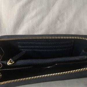 Michael Kors Accessories - Michael Kors Jet Set Wallet/Wristlet